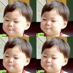 "Song brothers: Daehan Minguk ""Manse"""