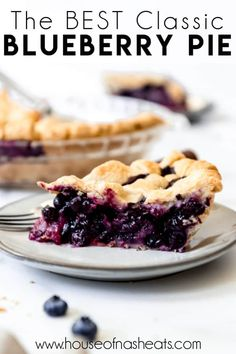 Deliciously sweet and juicy with a buttery, flaky crust, nothing quite compares to a classic Homemade Blueberry Pie! It's the ultimate summer dessert with plump, fresh or frozen blueberries for an easy blueberry pie filling and my perfect pie crust that wins every time! #pie #blueberries #blueberrypie #best #recipe #easy #fresh #frozen #fromscratch #homemade Best Blueberry Pie Recipe, Homemade Blueberry Pie, Best Blueberry Muffins, Blueberry Recipes, Homemade Pie, Banana Bread Recipes, Blueberry Pies, Cream Pie Recipes, Tart Recipes