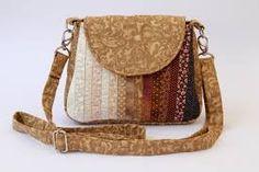 Resultado de imagem para bolsa tiracolo em patchwork