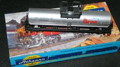 Brea Chemicals Tank Car HO Scale Athearn Vintage Kit 1565