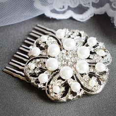 vintage-inspired art deco wedding comb
