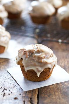 Healthy Maple Glazed Pumpkin Muffins by pinchofyum: Whole grain, less sugar and oil, 270 calories. #Muffin #Pumpkin #Healthy