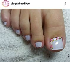 20 adorable toe nail designs and ideas 06 Pedicure Designs, Pedicure Nail Art, Toe Nail Designs, Toe Nail Art, Manicure And Pedicure, Feet Nails, My Nails, Nagel Hacks, Nail Decorations