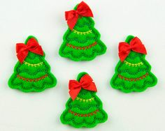 CHRISTMAS TREE - Embroidered Felt Embellishments / Appliques - Green, Red & Yellow  (Qnty of 4) SCF4120. $4.60, via Etsy.