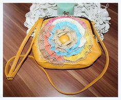Vintage Umhängetäschchen von *Coco Mademoiselle* auf DaWanda.com