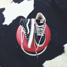 Vans Sk8-Hi. Photo: wild_gingerrr on instagram.