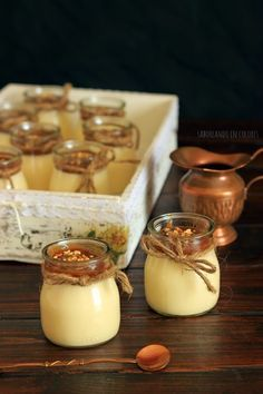 Postre mousse de chocolate blanco y salda toffee Desserts In A Glass, Dessert In A Jar, Mini Cakes, Cupcake Cakes, Toffee, Sweet Recipes, Bakery, Food And Drink, Dessert Recipes