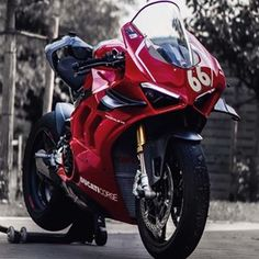 MotorStof.nl (@motorstof.nl) • Instagram-foto's en -video's Ducati Motorbike, Mtb Bike, Custom Sport Bikes, Custom Bobber, Motorcycle Wallpaper, Motorcycle Photography, Ducati Monster, Motorcycle Style, Super Bikes