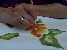 ▶ PINTANDO TELA TECNICA MEXICANA - YouTube Acrylic Painting Techniques, Painting Videos, Fabric Colour Painting, Fabric Paint Shirt, Hippie Crafts, Flower Drawing Tutorials, Fabric Paint Designs, Glaze Paint, Pencil Art Drawings