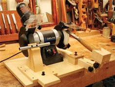 AW Extra 8/15/13 - The Ultimate Grinding Rig - The Woodworker's Shop - American Woodworker
