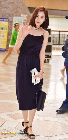 South Korean Girls, Korean Girl Groups, Suzy Bae Fashion, Snsd Airport Fashion, Japanese Girl Group, Seohyun, Airport Style, Celebs, Celebrities