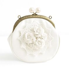 Handmade Small Bag White Sweet Lace Three-Dimensional Flower Vintage Pearl Mouth Gold Package Hasp Shoulder Bag Crossbody Bags
