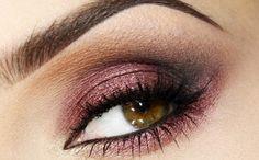 Makijaż: w zgodzie z trendami (burgundowy)