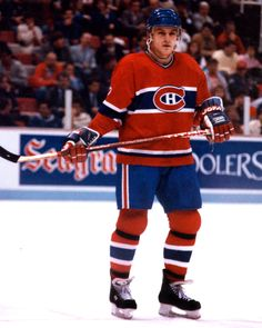 "NHL Alumni Member Claude Lemieux (Photo - NHL Alumni Association) This month's ""Ask the Alumni"" guest at The Hockey Writers is four-time. Hockey Memes, Sports Memes, Montreal Canadiens, Canadian Hockey Players, Sports Personality, Ice Hockey, Nhl, Funny, Canada"
