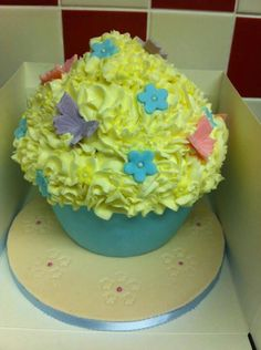 Simple giant cupcake By Create~A~Cake By Rebecca.... find us on Facebook x