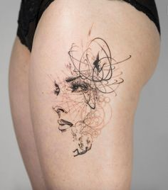 Abstract thigh piece by Mowgli