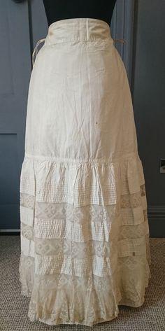 Antique Underwear Victorian / Edwardian Petticoat With Floral Lace Vintage Clothing, Vintage Outfits, Lace Outfit, Edwardian Fashion, Floral Lace, Corset, Vintage Ladies, Underwear, Footwear