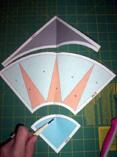 Paper piecing A New York Beauty Step By Step Paper Pieced Quilt Patterns, Quilt Block Patterns, Quilt Blocks, Batik Quilts, Quilting Blogs, Quilting Tutorials, Quilting Designs, New York Beauty, Foundation Paper Piecing