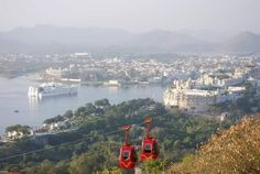 Winter in India makes it an ideal time for travelling in North India. Here is a list of best places in North India for your upcoming winter vacation. Udaipur India, Jaipur, North India, Winter Holidays, Venice, Paris Skyline, Waterfall, Places To Visit, Journey