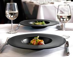 Dudson. NOIR. Darkness never looked so good. http://www.tabletopjournal.com/1/post/2013/10/dudson-stunning-new-noir-finish-for-precision-brings-a-simple-beauty-to-the-restaurant-table.html