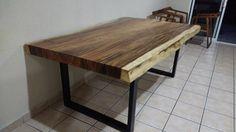 Hermosa mesa de parota