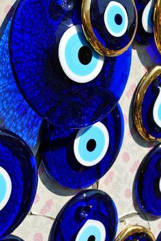 Evil eyes for days.  http://urbanbedougirl.tumblr.com/#