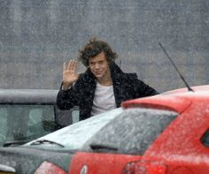 #NEW Harry outside the studio today 2/13