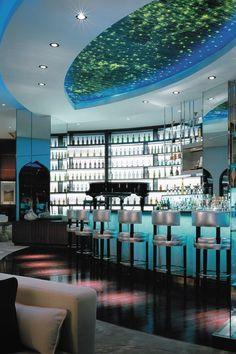 Oman Travel Inspiration - Bar at Shangri La Barr Aj Jissah in Oman