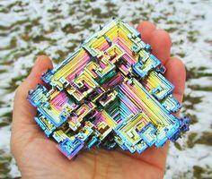 ƦᎧᏣƘᎦ & ᘻÏƝᏋƦᎯԼᎦ ~ Bismuth, a chemical element with iridescent surface.