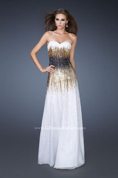 a3ea661efb241 Found on Bing from whiteangold.blogspot.com Grad Dresses, Black Prom Dresses ,
