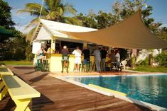 Taste of the Caribbean: Pineapples Bar & Grill, Green Turtle Cay