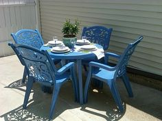 Spray paint old ugly plastic patio furniture! I did this today, and now have a beautiful Turquoise patio set :) Patio Furniture Makeover, Iron Patio Furniture, Outside Furniture, Outdoor Furniture Sets, Patio Makeover, Furniture Chairs, Plastic Garden Chairs, Plastic Garden Furniture, Painting Plastic Chairs