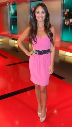 Catt Sadler from E! News. Pink dress matched up with Aruna Seth patent nude peep-toe heels. LOVE!