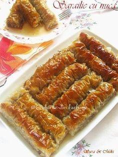 » Sarailie cu nucaCulorile din Farfurie New Recipes, Cake Recipes, Dessert Recipes, Cooking Recipes, Romanian Desserts, Romanian Food, Dessert Drinks, Turkish Recipes, Sweet Cakes