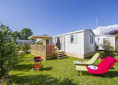 Vue d'ensemble du cottage 4 personnes ****  #locationcamping #locationvacancecamping #YellohVillage #mobilhome #emplacements #hebergementsinsolites #camping5etoiles  http://www.camping-bretagne-oceanbreton.fr/location/cottage-4-pers-2ch.html