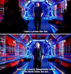 Oliver Queen on The Flash Superhero Shows, Superhero Memes, The Cw Shows, Dc Tv Shows, Team Arrow, Arrow Tv, Supergirl Dc, Supergirl And Flash, Arrow Flash