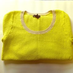 weekend uniform hp🌻bright all seasons sweater🌻 So funky and great for all seasons. Bright yellow mesh knit. Khaki colored hems on bottom, sleeves and neck. Juniors XL. Medium in Women's. 100% cotton. 22 inches from shoulder to hem. Sweaters