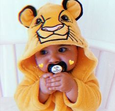 Cute Baby Boy Images, Cute Baby Pictures, Cute Little Baby Girl, Baby Christmas Photos, Baby Tumblr, Baby Icon, Cute Baby Wallpaper, Cute Kids Photography, Cute Funny Babies