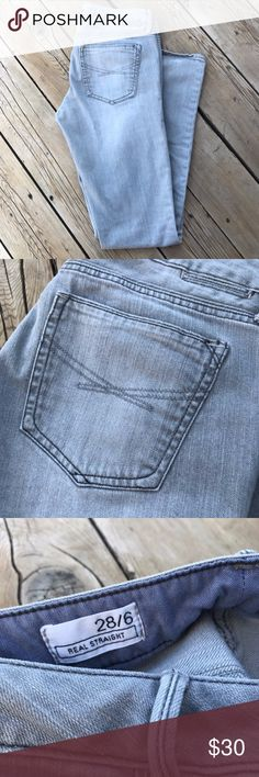 """GAP Real Straight Ash Grey Distress Jean-Size 28/6 Pants are real straight fit, size 28/6. Inseam is 31 1/2"""" and the leg opening is 6 1/2"""". Grey colored. GAP Jeans Straight Leg"""