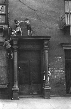 Helen Levitt, NYC, 1940