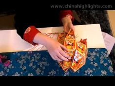 Can you ever have too many Hong Bao? This video will show you how to make a Chinese lantern with Hong Bao (red packets). New Year's Crafts, Arts And Crafts, Paper Crafts, Chinese Crafts, Red Packet, Red Envelope, Chinese Lanterns, Spring Festival, Chinese Culture
