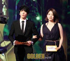 JUNG YONG HWA AND PARK SHIN HYE