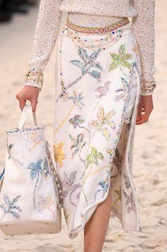 Défilé Chanel printemps-été 2019 Prêt-à-porter - Madame Figaro Moda Chanel 1aeaa2f8620