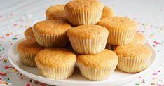 Szereted a muffint és a tejbegrízt? Próbáld ki a kettőt együtt! Wheat Free Baking, Cake Tray, Fairy Cakes, Muffin Cups, Mini Cupcakes, Food Print, Food Processor Recipes, Nutella, Sweet Treats