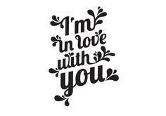 """Tattyoo édite des tatouages éphémères pour adultes et enfants,conçus avec amour en Suisseet imprimés avec les normes de sécurité les plus élevées aux États-Unis. Le graphisme de ce tatouage a été créé par One must Dash, l'association de 2 créatrices suédoises qui partagent le même humour, et la même passion pour la décoration d'intérieur.  Tattoo """"I'm in love with you"""""""