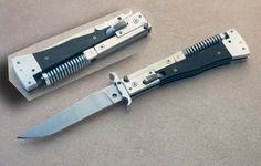 Wanted: Russian hand made AK 47 Switchblade Diy Knife Handle, Knife Handles, Types Of Knives, Knives And Swords, Knife Template, Switchblade Knife, Vintage Pocket Knives, Beil, Knife Patterns