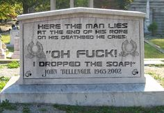 Dump-a-Day: 25 People who took their sense of humour to the grave Cemetery Monuments, Cemetery Headstones, Cemetery Art, Cemetery Statues, Cemetery Angels, Funny Facts, Funny Signs, Funny Quotes, Tombstone Quotes
