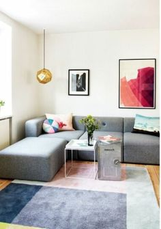 salon chic avec canapé d'angle pas cher de couleur anthracite