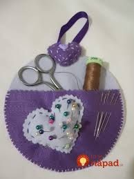 Upcycle your old discs into something both decorative and useful. Cd Crafts, Felt Crafts, Sewing Crafts, Diy And Crafts, Crafts For Kids, Arts And Crafts, Recycled Cds, Recycled Crafts, Cd Diy