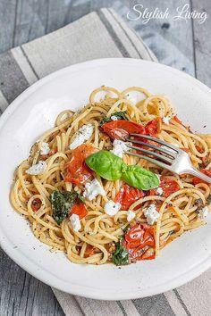 Spaghetti mit Tomaten und Ziegenkäse                                                                                                                                                      Mehr